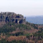 Blick zum Pfaffenstein mit der Barbarine