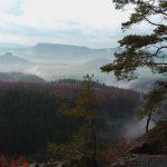 Blick von den Poblätzschwänden auf die linkselbischen Tafelberge