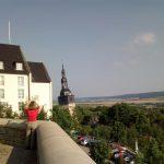 Blick vom Hausmannsturm auf den schiefen Turm