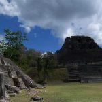 die höchste Mayapyramide in Xunantunich (Castello, 40 m)